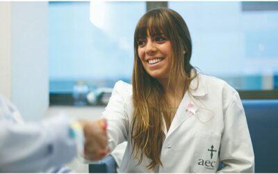 Voluntarios de la AECC de Sevilla se reúnen online para hablar de la muerte en un Death café de New Heath